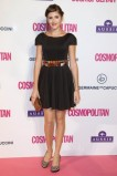 Lucía Ramos encantadora con un vestido negro y complementos en marrón y print animal.